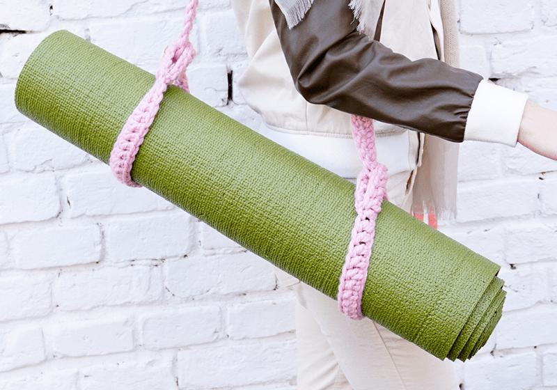 Фото Розовый ремень-стяжка для йога коврика