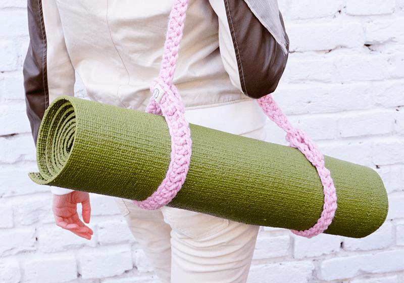 Фото 1 Розовый ремень-стяжка для йога коврика