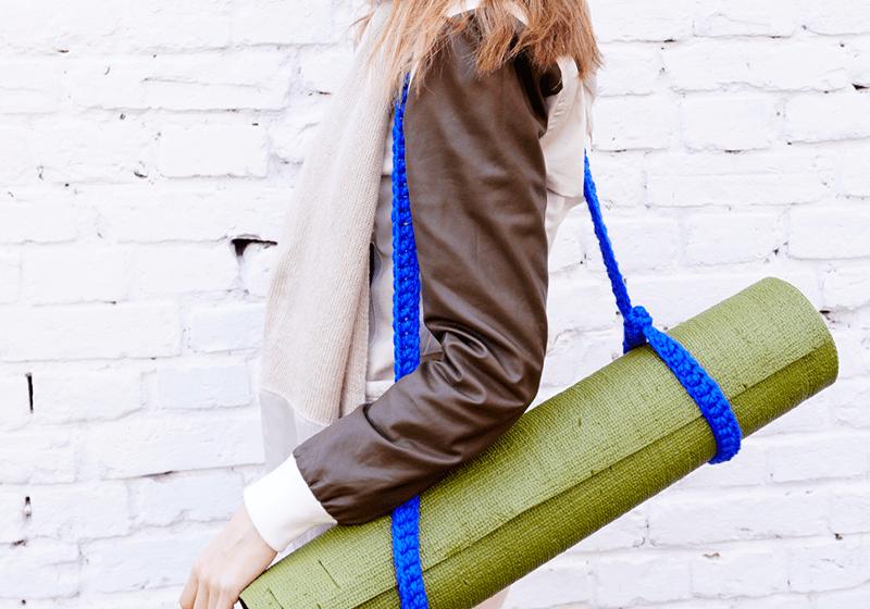 Фото 1 Вязаный ремень-стяжка на йога коврик
