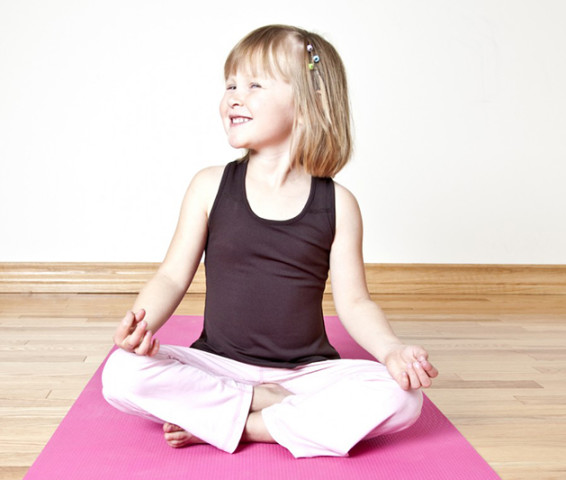 kinder-yoga-girl