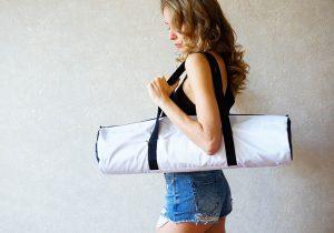 Чехол-сумка белого цвета для ковриков Foyo