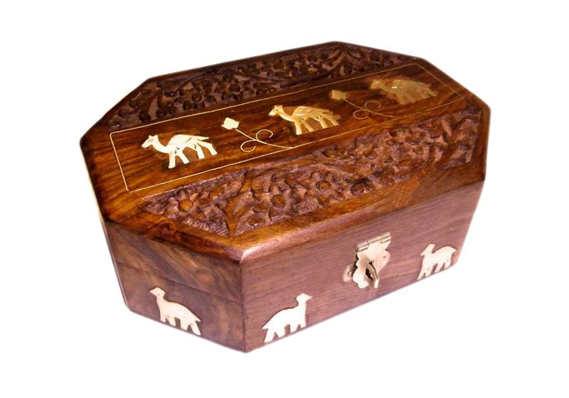 Фото Восьмигранная шкатулка из красного дерева Верблюды №36