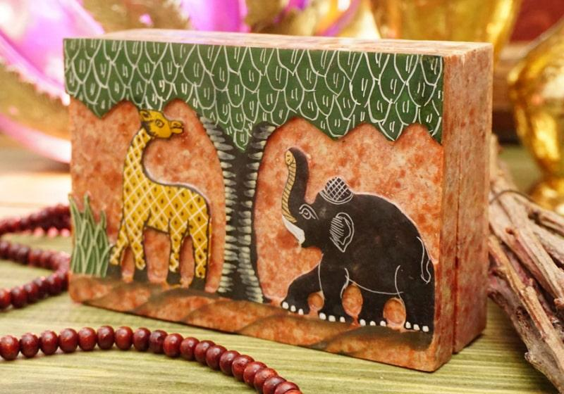 Фото 1 Каменная шкатулка для украшений Жираф