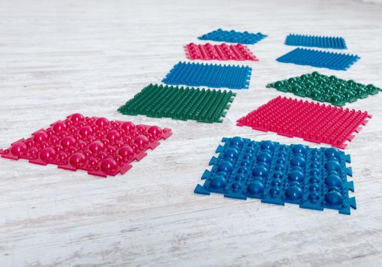 """Фото 1 Набор резиновых ковриков для ног """"Пазл"""" от Onhill"""