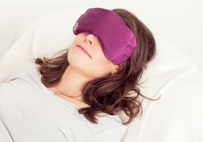 Фото 1 Шелковая подушка на глаза