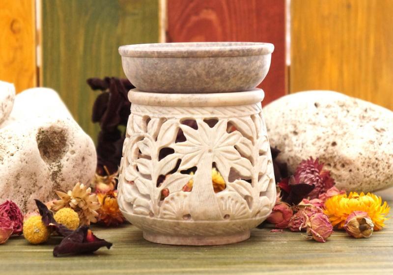 Фото Аромалампа каменная круглая резная 11х9х9 см Пальма