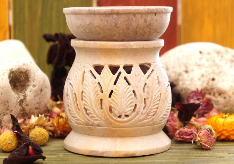 Фото Аромалампа каменная круглая 11*9*9 см — лиственный узор