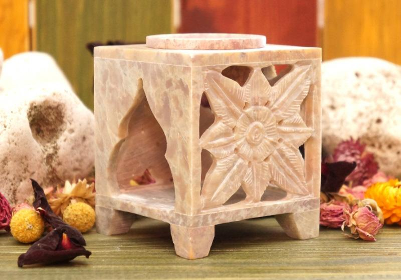 Фото Аромалампа квадратная из камня 9,5*7,5*7,5 см