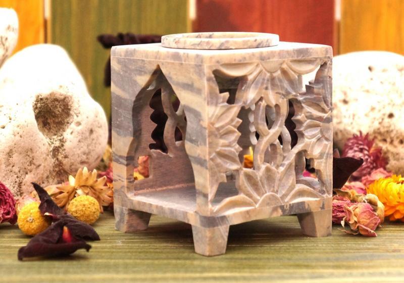 Фото Аромалампа каменная квадратная резная 9,5*7,5*7,5 см