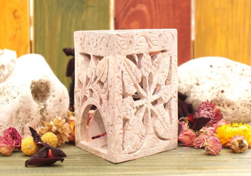 Фото Аромалампа каменная треугольная 11*9,5*9,5 см. Листья