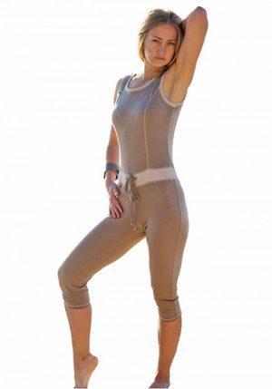Нарядный бежевый комбинезон Сати от Maxi Yoga
