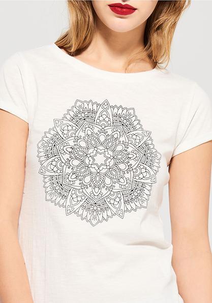 Фото 1 Женская футболка с мандалой