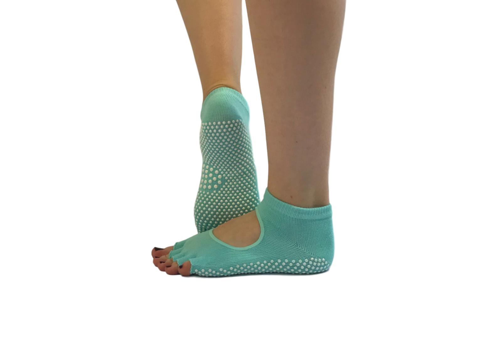 Фото 6 Голубые носки для йоги