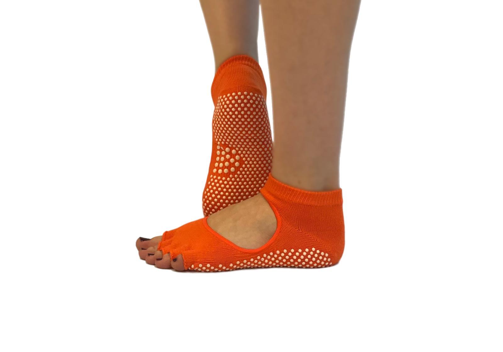 Фото 5 Желтые носки для йоги