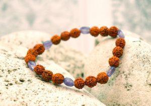 Браслет Rudraksha с аметистовыми камнями