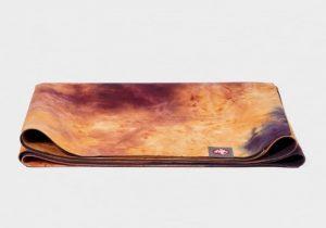Йога-коврик eQua SuperLite Manduka из натурального каучука