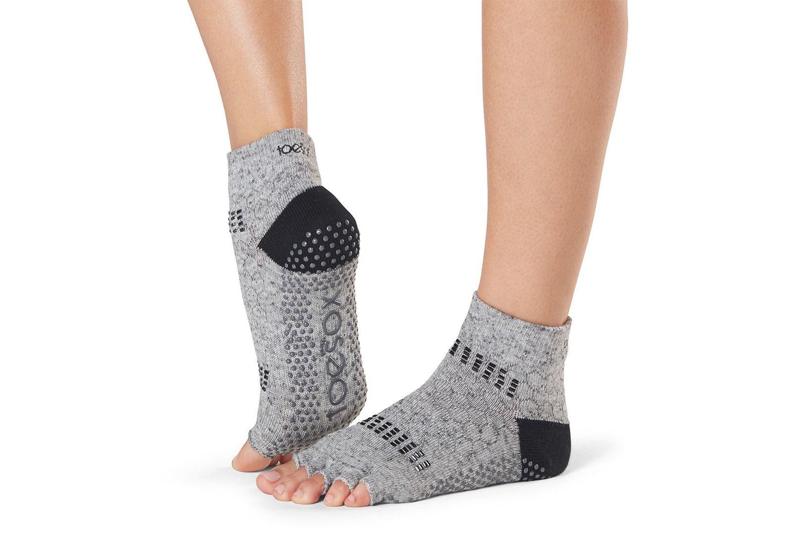 Фото Носки для йоги ToeSox Half Toe Ankle Grip Jet